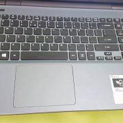 Laptop-cu-Acer-E5-571-2